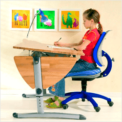 Як облаштувати робоче місце дитини